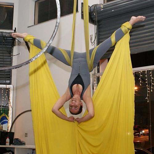 exercicio_fisico_pos_bariatrica_tecido_acrobatico